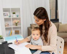 Фамилия ребенка после развода родителей: можно ли поменять, куда обращаться