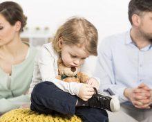 Как детям пережить развод родителей: советы психолога