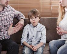 Как сказать ребенку о разводе родителей: советы психолога