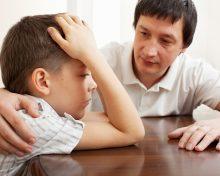 Ребенок не хочет общаться с отцом после развода: причины, что делать