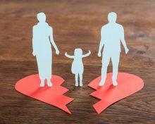 Можно ли отказаться от усыновленного ребенка после развода
