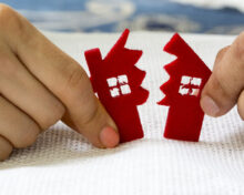 Подаренная квартира делится при разводе или нет