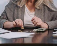 Пособие по потере кормильца при разводе родителей: условия получения, порядок оформления, перечень необходимых документов и расчет