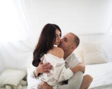 Мужчина ушел к любовнице, но не разводится: причины и правильная тактика поведения