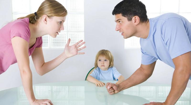 Оба родителя имеют равные права в отношении детей